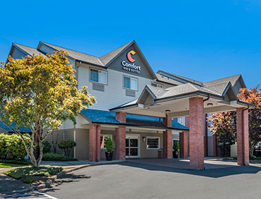 exterior of Comfort Inn & Suites Tualatin - Portland South