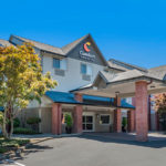 front exterior of Comfort Inn & Suites Tualatin - Portland South